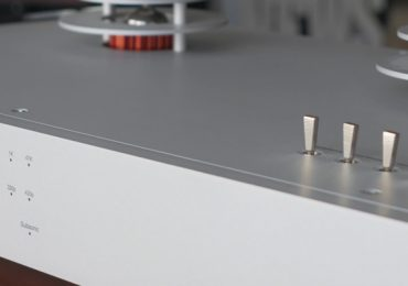 EAT-PHONO-STAGE-COVER-TOP-1