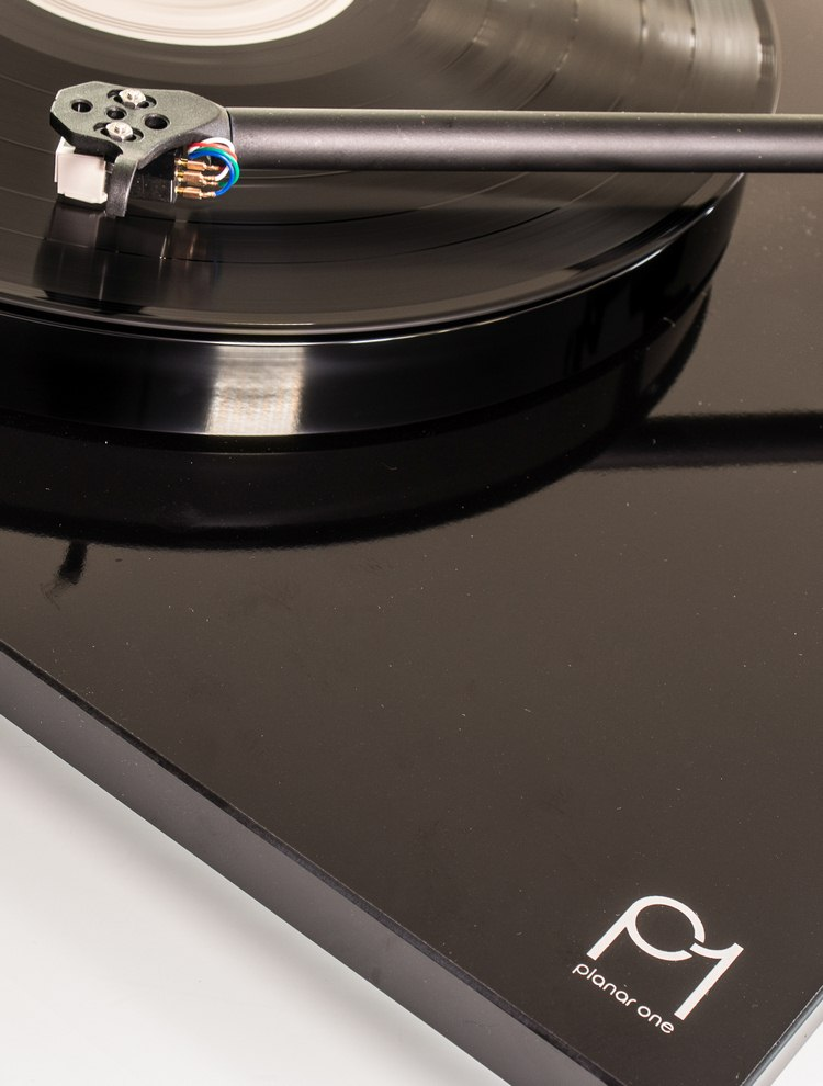 rega-p1-turntable-1